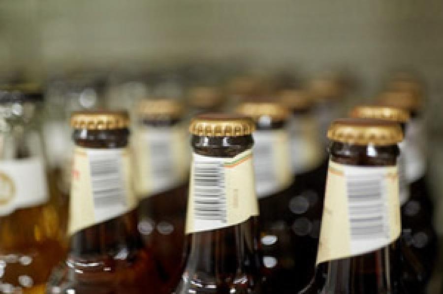 Divieto vendita bevande in bottiglia vetro e lattine